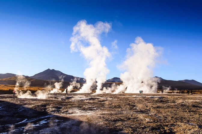 shutterstock_266437634_andes_geothermal_6_200px